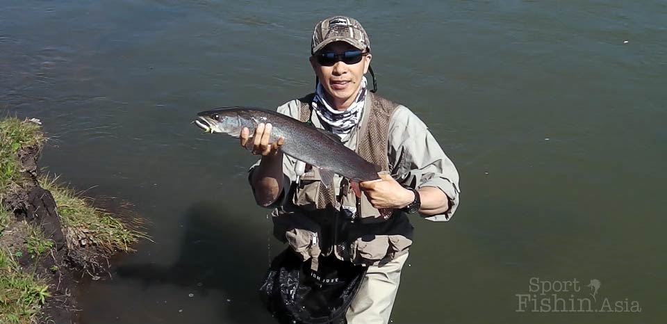 Hucho Taimen Fly Fishing in Mongolia with Wirianto [video]