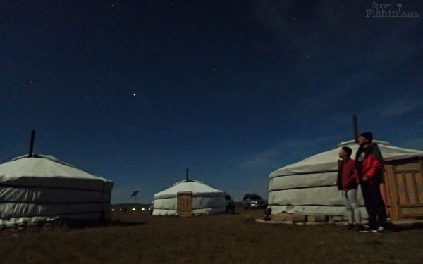 star-gazing-ger-mongolia-fishing_130921_6561