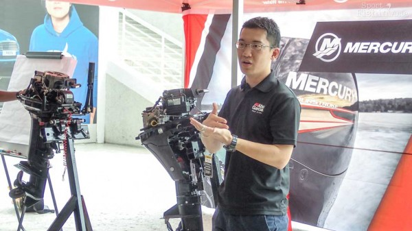 Marketing Manager of Pure Fishing Malaysia, Mr Ming, sharing some outboard motor tips.