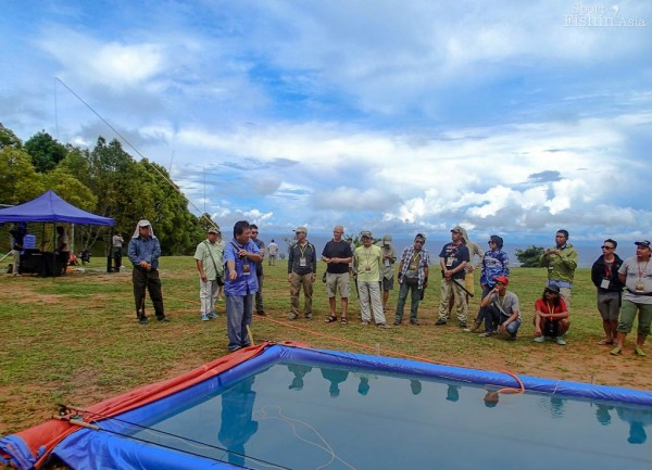 CCI Pak Gunawan from the Jakarta Fly Fishing Club demonstrating roll casts at the casting pool