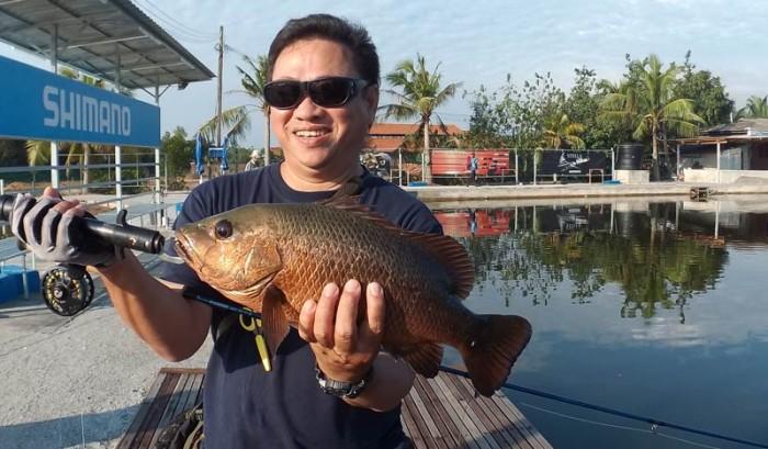 jurassic-sw-pond-fly-fishing-malaysia-150504_8555