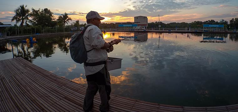 Fishing at Jurassic SW Pond in Sepang Selangor