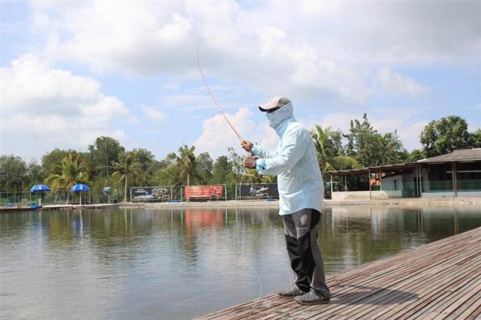 jurassic-sw-saltwater-fishing-pond-malaysia-20150504-(1)