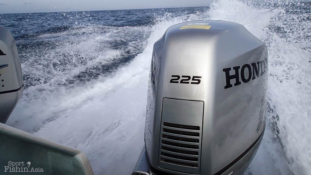 outboard-motor-kuala-rompin-sailfish_140809_0500