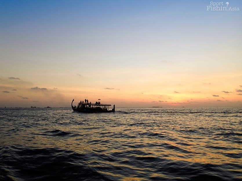 sunset-maldives-male-fly-fishing-walkabout-scenes-20130413-(6)