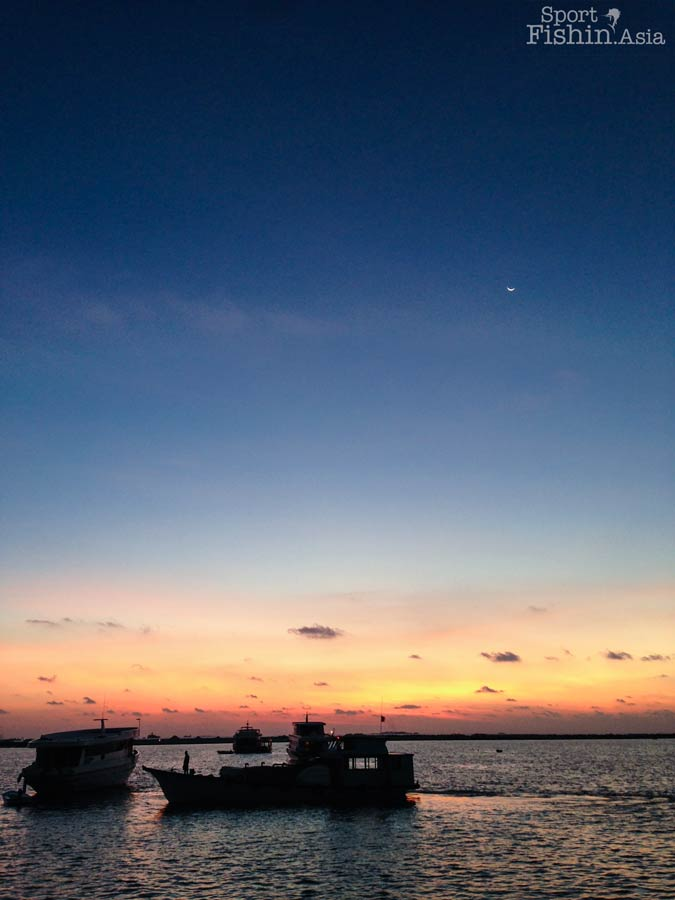 sunset-maldives-male-fly-fishing-walkabout-scenes-20130413