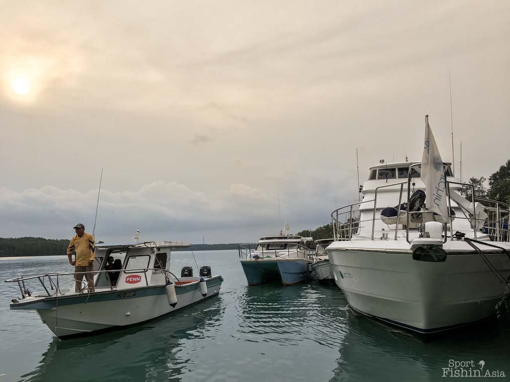 rompin-charter-boat-sport-fishing-asia-sea-urchin-geoff-barden-graham-tony-griffith-10052016-27