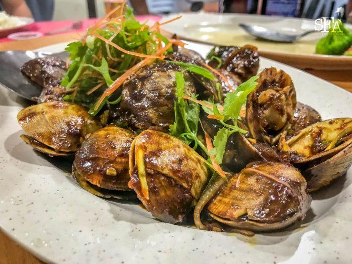 "Very tasty ""kum heong lala (clams)"""